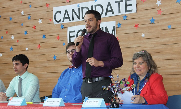 Cameron Weaver speaks at the candidate forums during the student elections of the spring 2015 semester. (Photo Courtesy: ARCurrent.com)